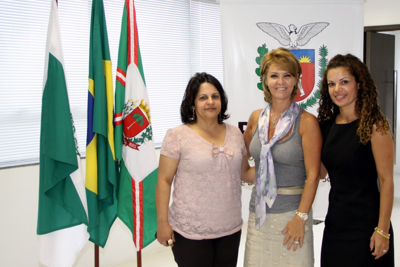 Fernanda Richa recebe visita da primeira dama de Pontal do Paran